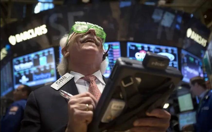 Wall-Street-Peter-Tuchman